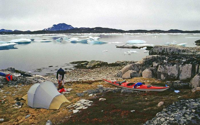 kayak in Greenland. Tuttutooq island, 1990. Ramon Larramendi
