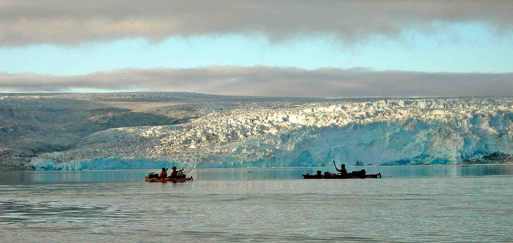 kayak in greenland arriving qaleraliq glaciers