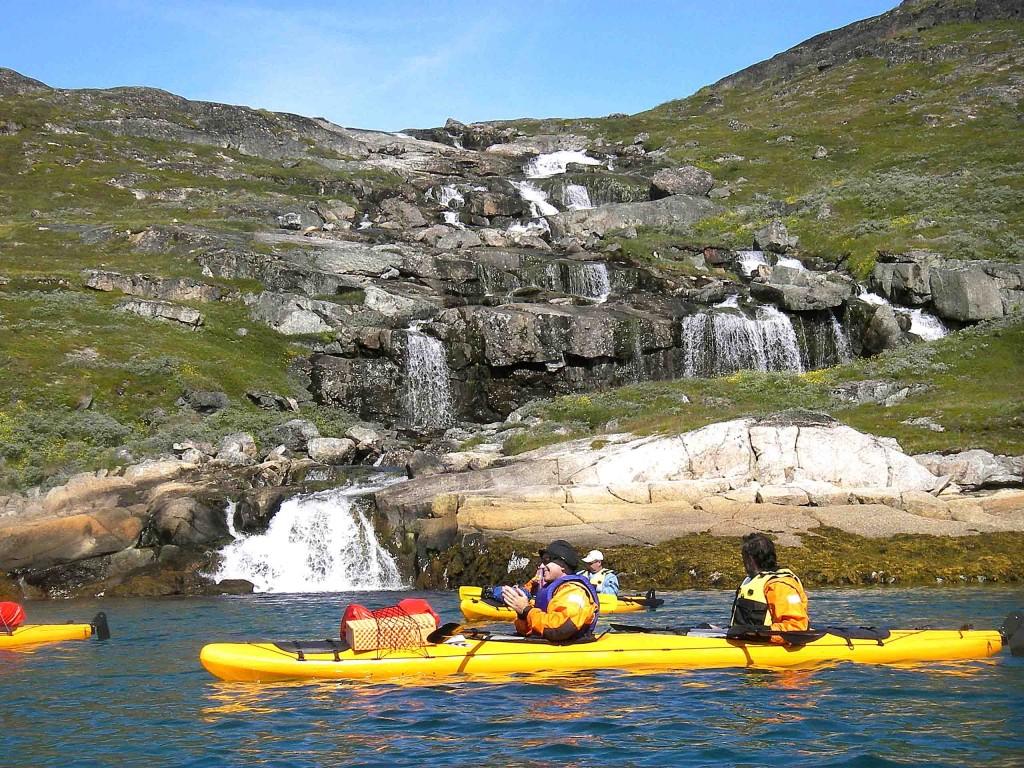 caiac a Groenlàndia, 8 dies illa tuttuutoq, narsqaq