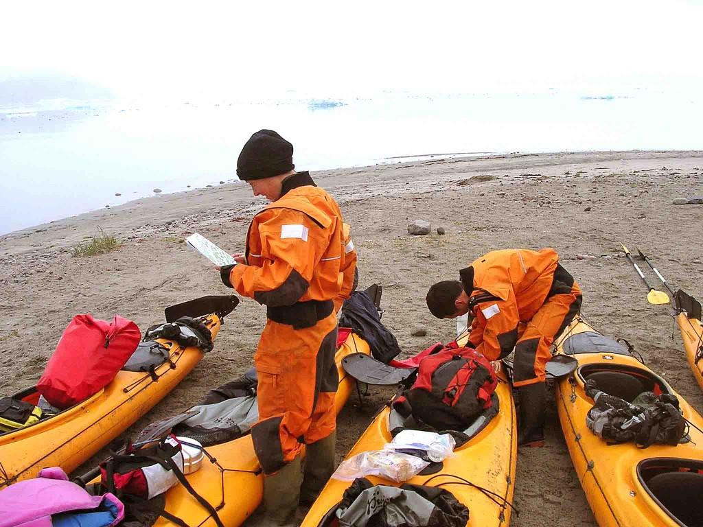 viajar en grupo, kayak en groenlandia